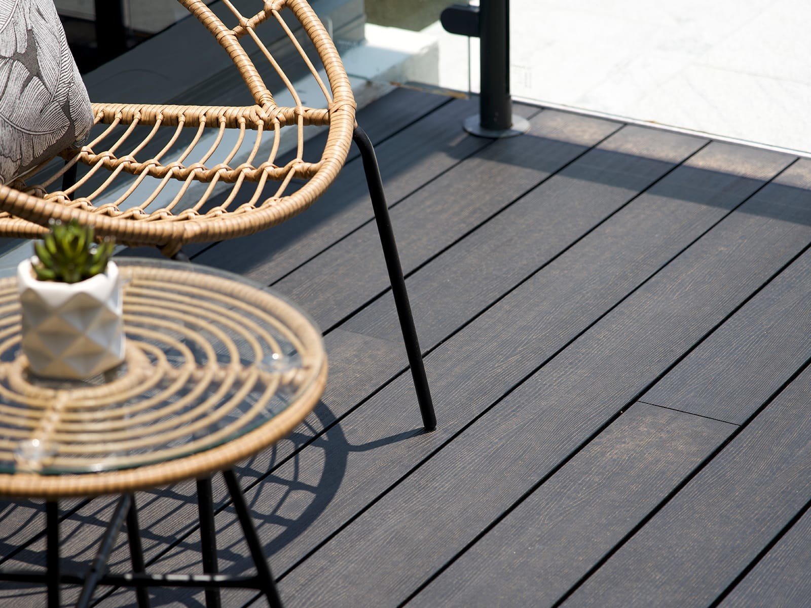1_Composite_Timber_Decking_Charcoal_Embossed