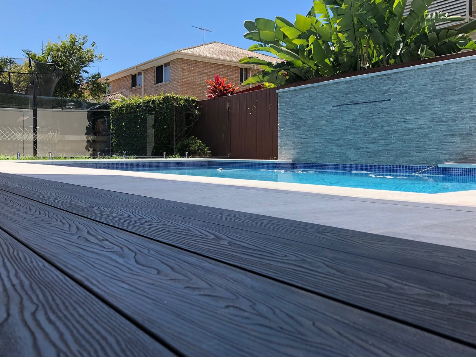 8_Composite_Timber_Decking_AshGrey_Embossed